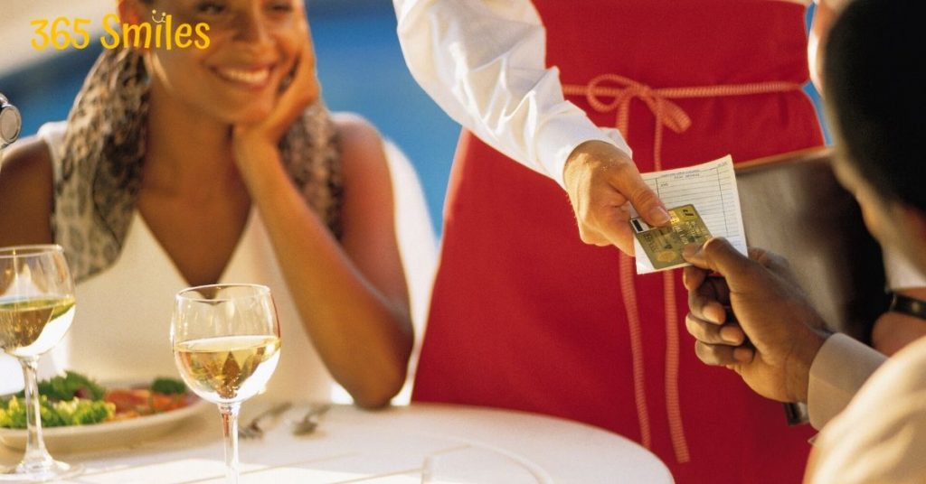 make the staff in a restaurant smile by a kind note