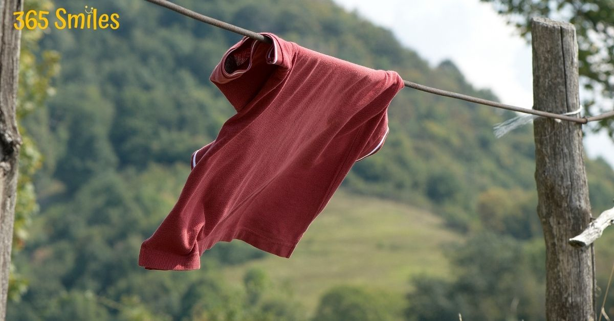 Old t-shirts can be used as cleaning rags